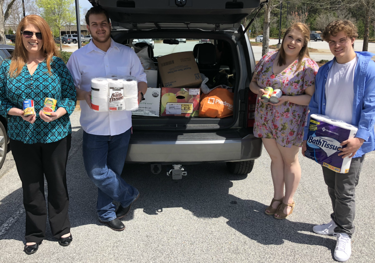 Southern Crescent Technical College Donates Food!