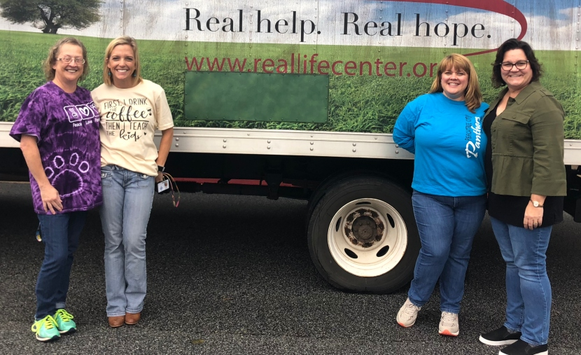 Peachtree City Elementary School Fall Food Drive