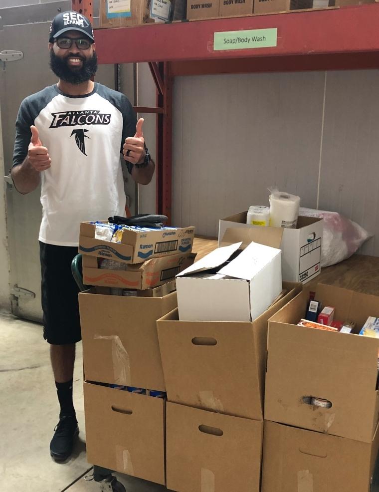 PetSmart Distribution Center Gives Back