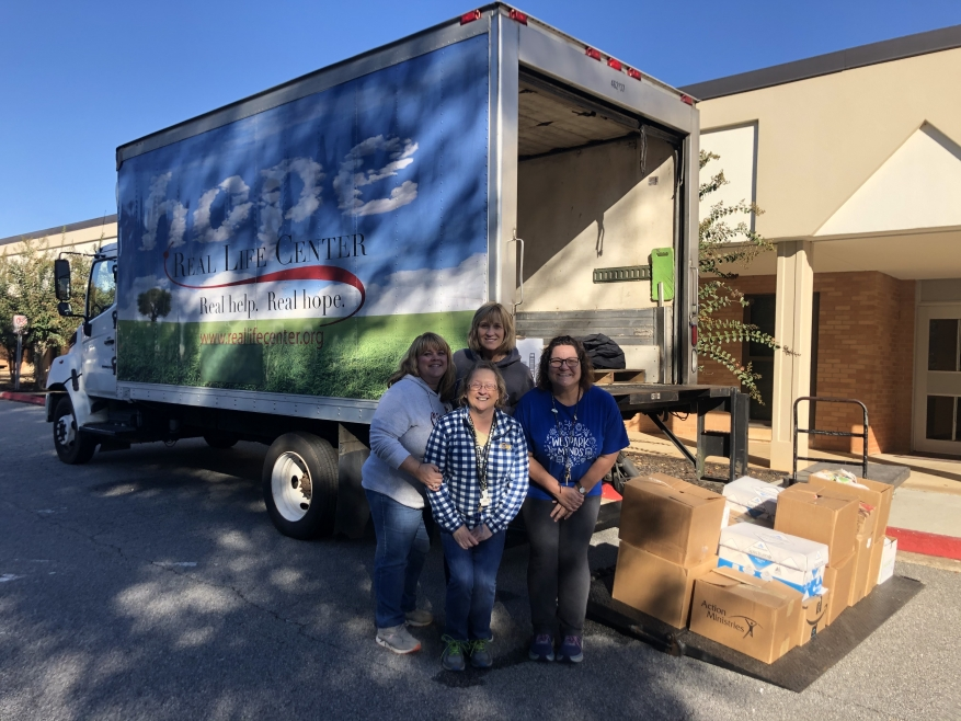 Peachtree City Elementary School Helps our Neighbors in Need