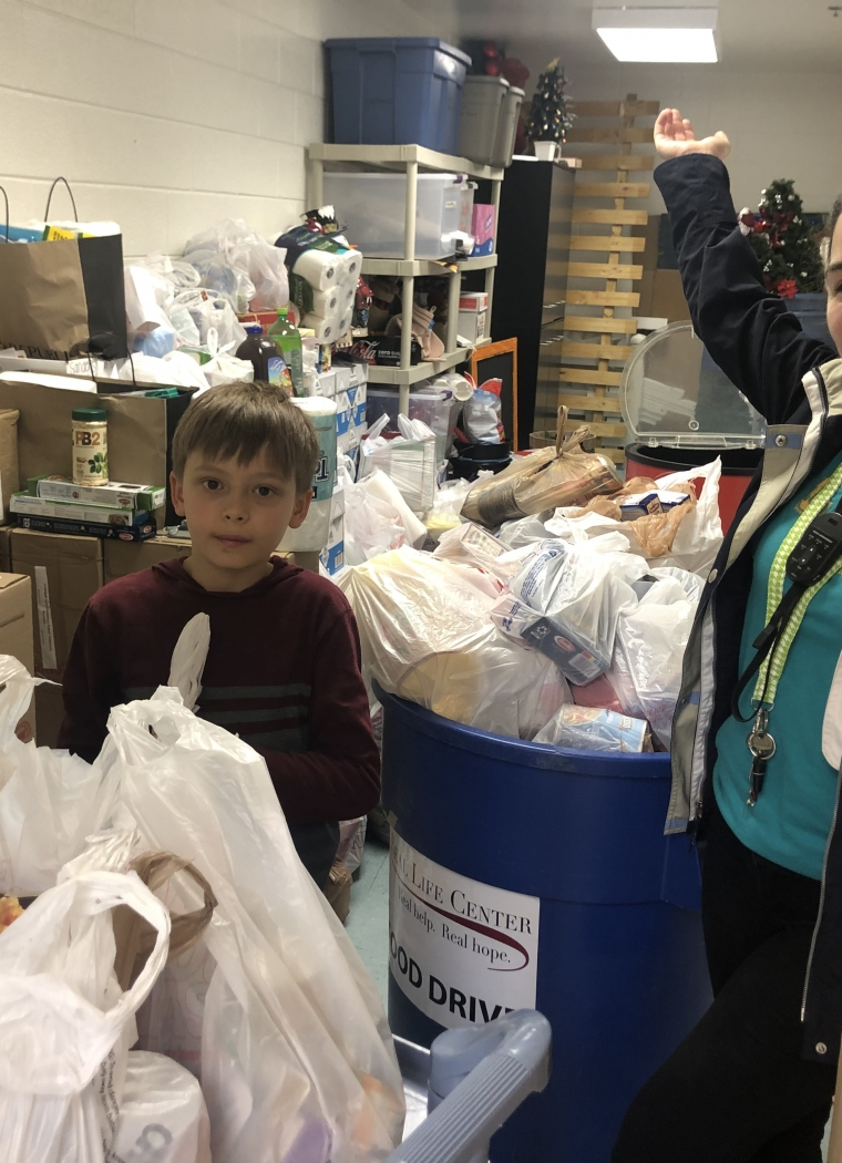 Crabapple Lane Elementary School Hosts a Successful Food Drive