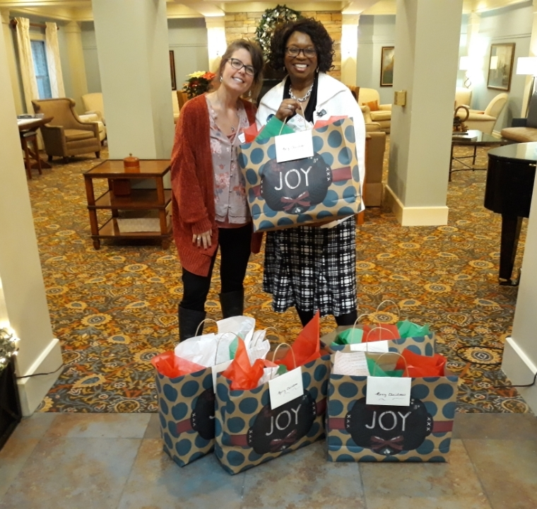 Arbor Terrace Shows Love through Gifts to our Single Mothers